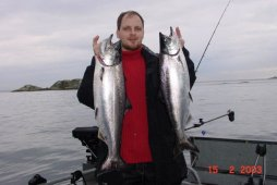 Nice catch of chinook / king salmon - © Kanada News